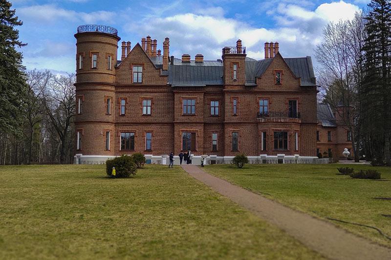 Замок Герцена в Подмосковье